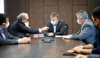 Governo do Estado assina contrato para implantar radiocomunicação digital em 50 municípios (Crédito: Secom-MT)