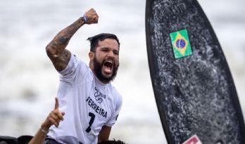 Brasil ganha 1º ouro nas Olímpiadas com o surfista Ítalo Ferreira (Crédito: Jonne Roriz/COB)